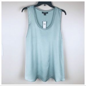 NWT. Banana Republic Mint Top. Size XL.